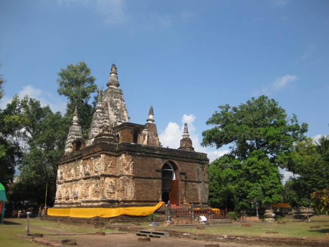 Wat Pho Tharam Maha Viharn or Wat Jed Yod ( Seven Spires Temple)