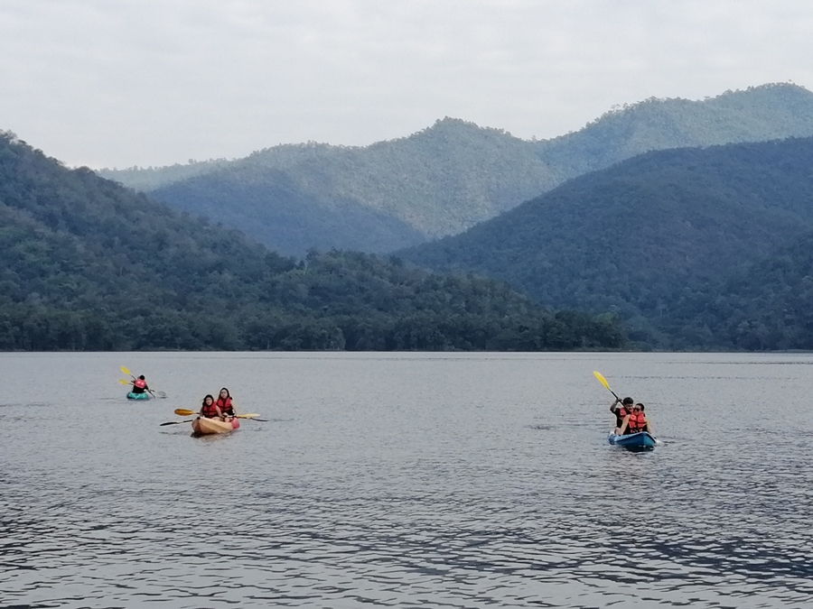 1 Day Sticky Waterfall + Mae Ngad Dam + Floating House + Swimming and Kayaking in the Nature.