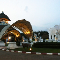 Private Doi Kham Temple and Chiang Mai Night safari